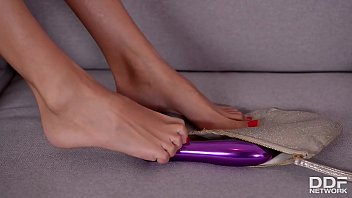 Butt Plug Pleasures - Hot Babe Anissa Kate Massages Her Feet And Toes