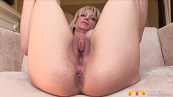 Blonde clitoris Milf shows massive clit