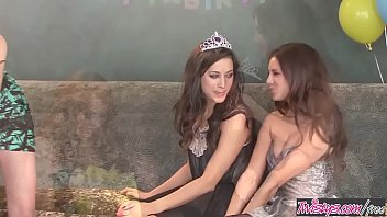 Escort savannah georgia Sweet 18 birthday girl party lesbian threesome - georgia jones, marie mccray, shyla jennings - twistys