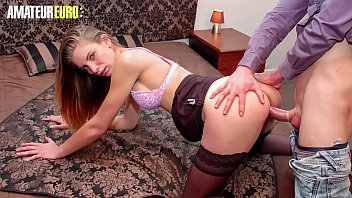 AMATEUR EURO - College Teen Lindsay Stop By Her BF After School And End Up Having Sex
