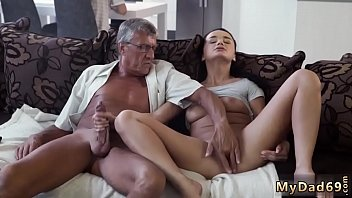 Oh fuck me daddy and old man young whore What would you prefer - Porno indir