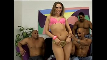 Four horny black dudes let young brunette white chick Brianna Love to feel the power of black poles 42分钟