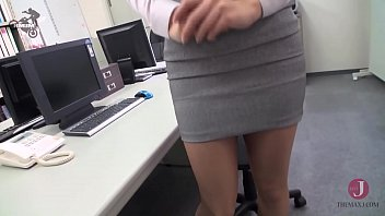 Beautiful Japanese sucks boss cock and get cum mouthed in the office 59分钟