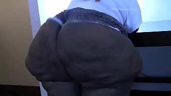 Fat ass black woman claps her huge ass cheeks thumbnail