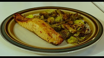 Healthy teen weight - How to get laid tutorial - cook her this weightloss delicious salmon dinner