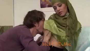 Busty Arab Milf Wants Here Tits Sucked - Milfddme