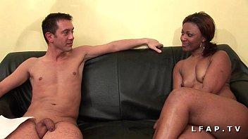Bonne black francaise grave sodomisee et prise en double pour son casting