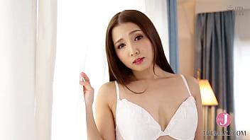 ファーストコンタクトエロいい女のエロいいセックス 友田彩也香 イントロ【XVSR-405】 17 min