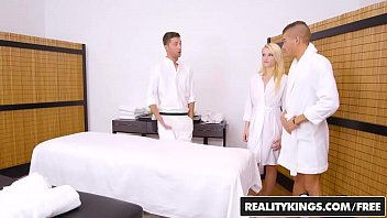 RealityKings - Sneaky Sex - Super Hot Masseuse 8 min