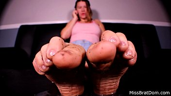 BP183-Dirty Feet Humiliation Miss Brat