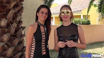 Bella et Elise, deux étudiantes, ont un petit jeu de soumission entre copines [Full Video] thumbnail