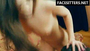 Slave's tongue deep into her pussy and ass - Brutal Facesitting video Vorschaubild