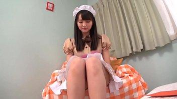 linda asiática con uniforme