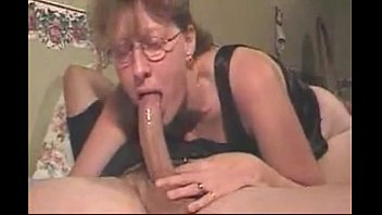 Mom please suck my cock - Slut mom sucks cock swallows my load - hotjessy.com