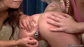 Streaming Video Dom lesbian anal fuck blonde and redhead - XLXX.video