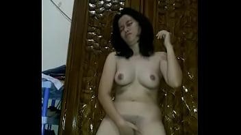 Indo naked girl Karen, pelajar indo sulut bugil main memek 1
