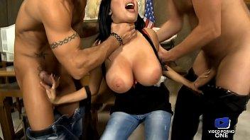 Jeune prosuée se f baiser pour éer la prison