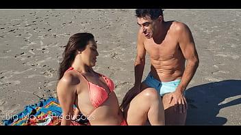 Big Macky encontra Amanda Borges na praia, ela levou um cano, mas não perde tempo e vai pra casa do Daddy roludo