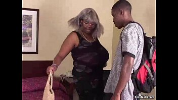 Free bbw gallery - Bbw black granny has big tits