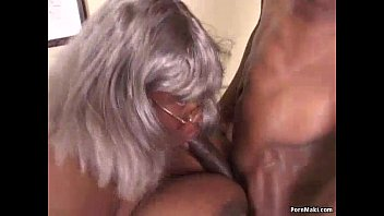 BBW Black Granny Has Big Tits Vorschaubild