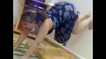Arab girl dance her big ass