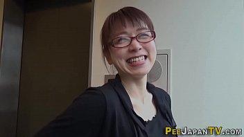 Japan ho pees her pants