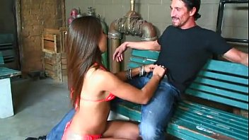 Anal Sex With The Latin Girl Lynx Maze On A Park Bench
