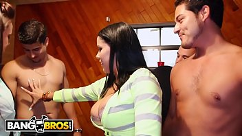 BANGBROS - Diamond Kitty, Rahyndee & Luna Star Invade Dorm & Have Some Fun