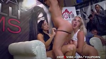 Hot Lesbians Have A 4way In Public