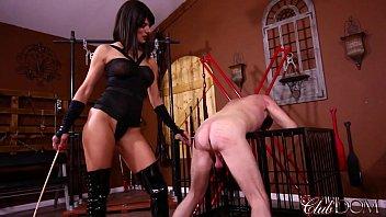 Arena Rome Destroys Her Slave