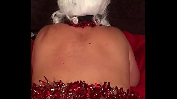 Mrs. Claus gets a deep Fisting and Hard Doggystyle Fuck