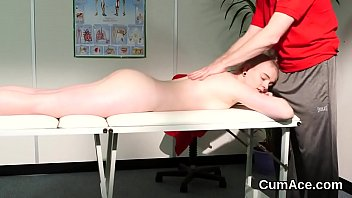 Kinky hottie gets jizz shot on her face swallowing all the jizm 5分钟