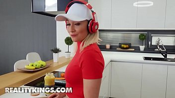 (Marilyn Sugar) Has Multiple Orgasms While Riding A Big Cock - Reality Kings