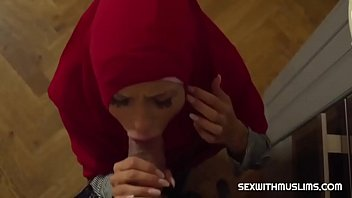 Hot arabian women get ass...