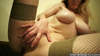 Busty mom's secret sex tapes thumbnail