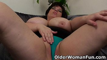Older having sex Bbw mom having solo sex with a dildo