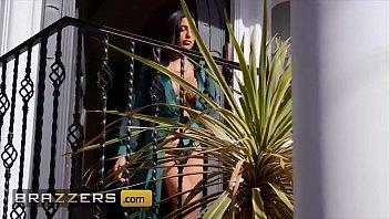 (Azul Hermosa) cucks her husband with her driver - Brazzers 10 min
