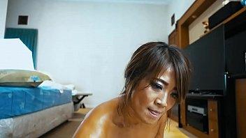 Orang Asia Kecil Ini Menyukai Bbc....