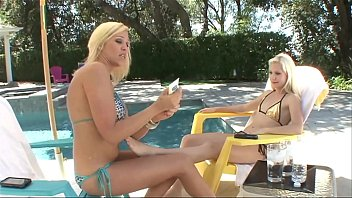 Hot College Teens Two Blonde BFF´s Wild and Crazy Lesbian Sex Spring Break