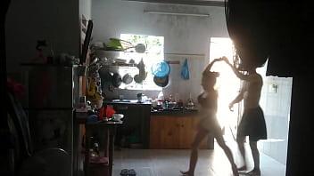 Wife Loves Dance With Neighbor Boy (BX Thể Dục NHảy Chacha Với Em Trai Hàng Xóm) Vorschaubild