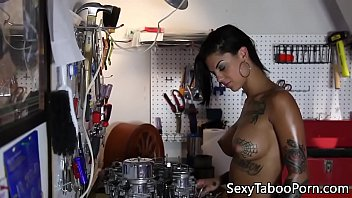 Inked roughfucked babe squirts while throated