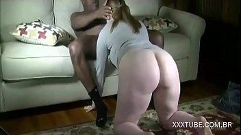 Esposa branquinha dando a buceta rosada pro neg&atilde_o - http://xxxtube.com.br
