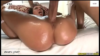 Satisfactory deep penetration - Closeup missionary penetration