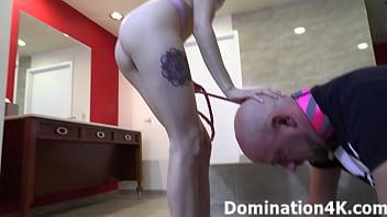 Ass worship with Domina Lola Fae