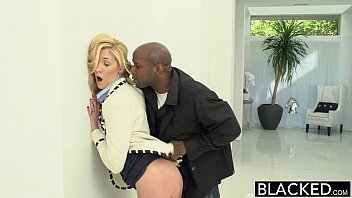 BLACKED 2 Big Black Dicks for Rich White Girl 10分钟