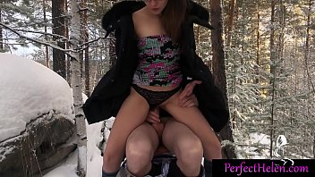 Babe Masturbate Pussy and Cowgirl on Dick Stranger in the Wood صورة