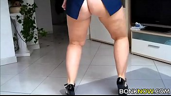 Sexy amateur PAWG teasing