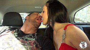 Del Taxi A La Cama thumbnail