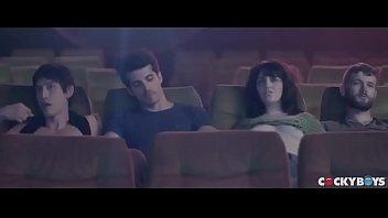 VAMOS PARA O CINEMINHA??! Cinemão pornô com Arad WinWin, Dato Foland, Levi Karter & Valentin Braun 26分钟
