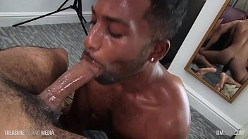Gay spit - Look at this little cocksucker go
